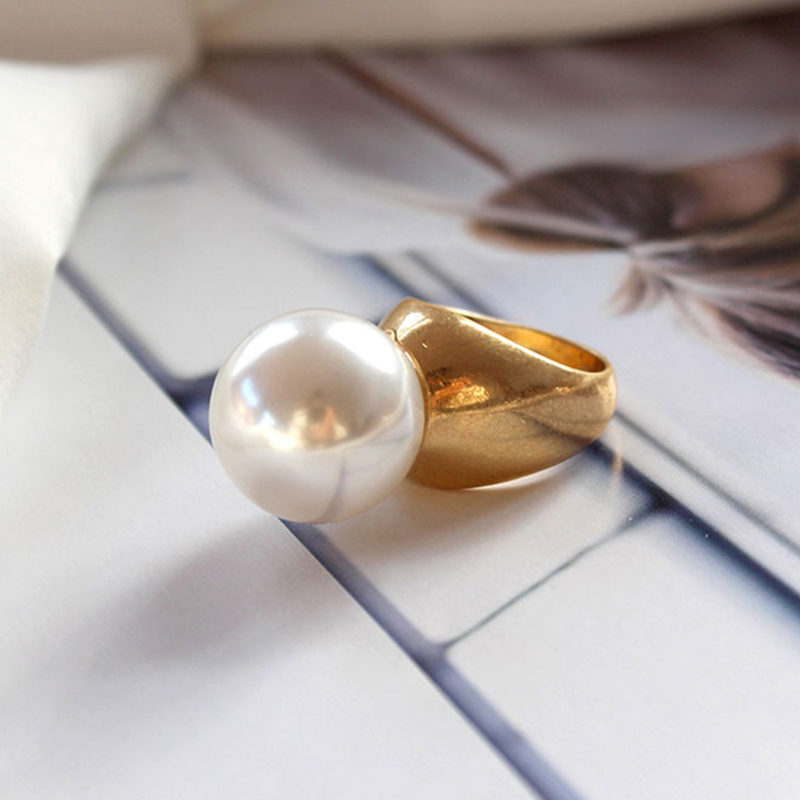 Round Pearl Ring  1