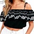 NOVA Bordados Ruffles Sexy de Slash Neck Top Safra De Algodão Menina do Verão Fora Do Ombro Praia Camis Camisas Marca Europeia Tops