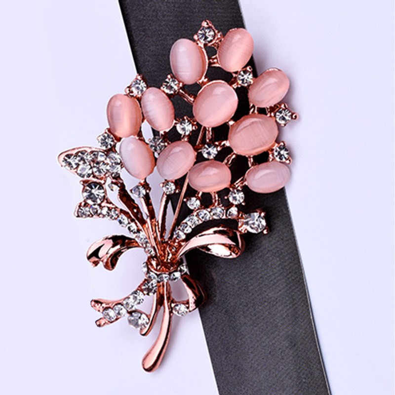 Hot Selling Fashionable Opal Stone Flower Brooch Pin Beautiful Rhinestone Clothes Accessories Women's Corsage Birthday Gifts