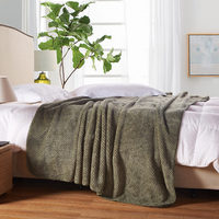 High quality Japanese and Korean style flannel blanket full queen / oversized woolen blanket on the bed / sofa 200 * 230 cm