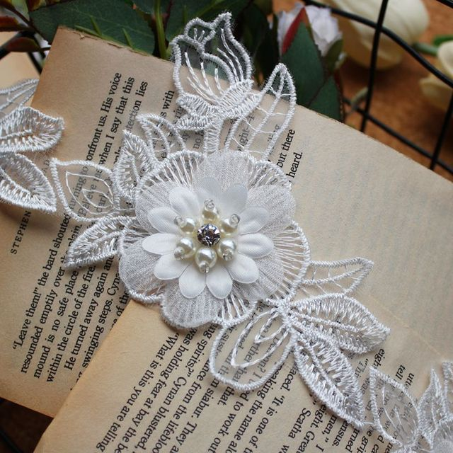 10pcslot organza polyester material 3d white flower applique beaded 10pcslot organza polyester material 3d white flower applique beaded flower wedding dress fabric a107 mightylinksfo