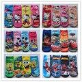 Súper ventas al por menor 2014 nuevo algodón del bebé hello kitty calcetines lindo niñas niños niños de niños calcetín de la historieta de mickey los calcetines del bebé 2 par/lote