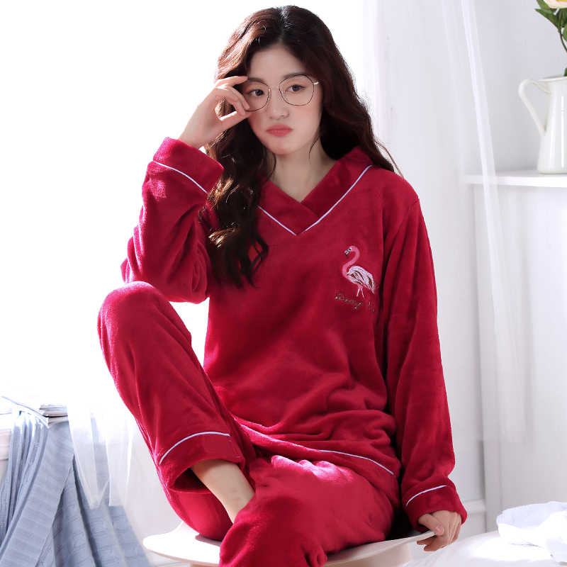 ... Winter Warm Flannel Elegant Women Sleepwear Pajamas lady Cartoon Red Pajama  Set Pullover Coral Fleece Pijamas ... 24fc2019b