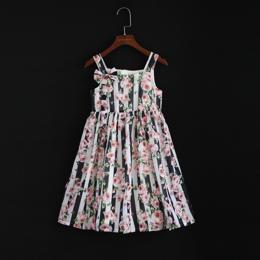 Summer European style children clothing mom and girls family look clothes girl holiday chiffon dress mother daughter beach dress summer brand children chiffon family look clothes kids mom girl flower print beach dress matching mother daughter fashion dress