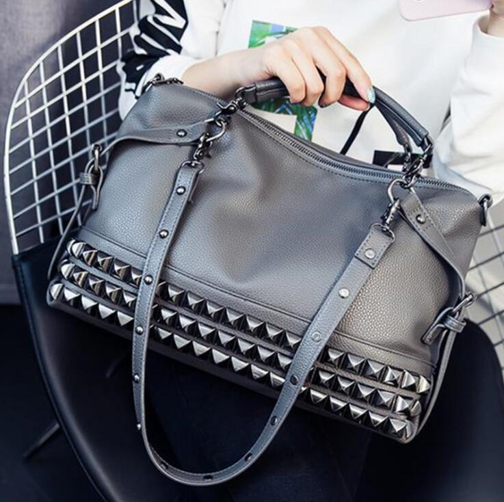 New large capacity rivet bag leisure mobile scooter bag bag single shoulder messenger bag tide