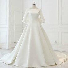 Nowa linia satynowa skromne suknie ślubne z 3/4 rękawy Boat Neck gorset powrót proste suknie ślubne w stylu Vintage Modest Custom Made