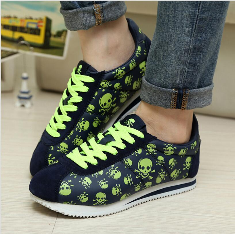 Fashion Joker new lightweight non-slip couple casual shoes Trendy skull print hip hop flat shoes skull print slashed tee