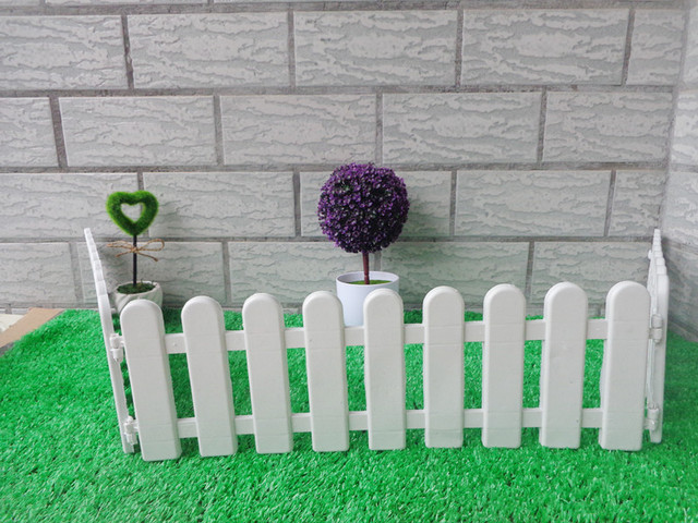 10Pcs/Lot White Fence Round Top Plastic Fence Garden Bulletheaded Fencing  Small Fence For Christmas