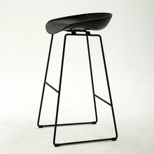 Nordic Style Fashion and Simple Bar Chair Reception Home Modern Iron Art High Stool Creativity PP Matte Chair Surface(China)