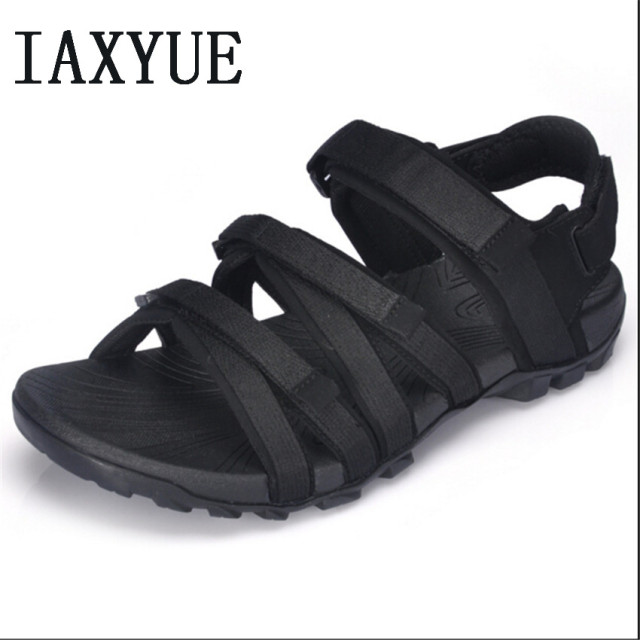 9c24ab59fc4d IAXYUE Beach shoes men sandals 2018 summer outdoor sports new menswear  Vietnam cool slippers drive men s shoes