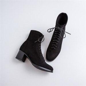 Image 4 - حذاء من الجلد للنساء 22 25 سنتيمتر طول الخريف والشتاء أحذية النساء جولة تو مرونة القماش المخملية منتصف كعب الجوارب الإناث + الأحذية