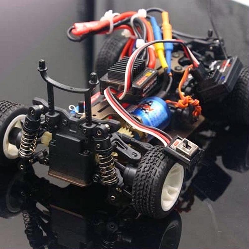 RC WLtoys A202 A212 A222 A232 A242 A252 1:24 voiture RTR brushless mise à niveau Hobbywing EZRUN 2030 moteur 18A ESC 65 km/h AX5S 2.4g radio