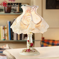 2015 Hot Arts kindly living room table lamp decorated gift engraved resin romantic roses rural creative