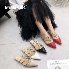 купить Wellwalk Flat Slippers Women Shoes Rivets Fashion Mules Women Slides Pointed Shoes Ladies Slippers Female Flat Sandals Women по цене 1664.42 рублей