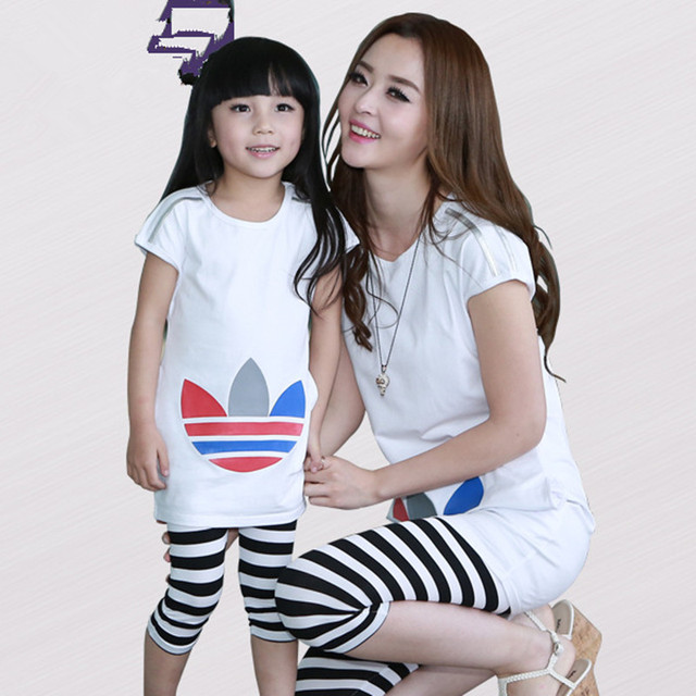2017 nueva familia look brand clothing set t-shirt + pants juego mommy and me ropa madre e hija de ropa trajes