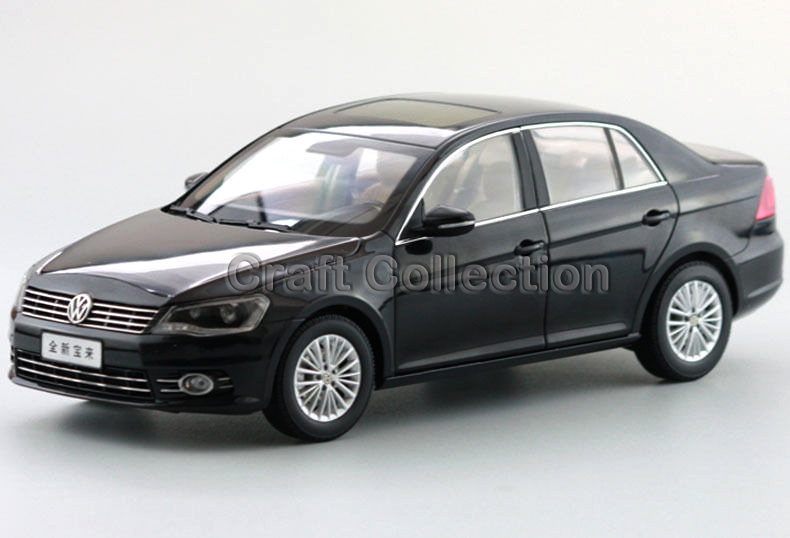 * Black 1:18 Volkswagen VW NEW BORA 2011 Die Cast Model Car Metal Sedan Model Festival Gifts Mini Vehicle