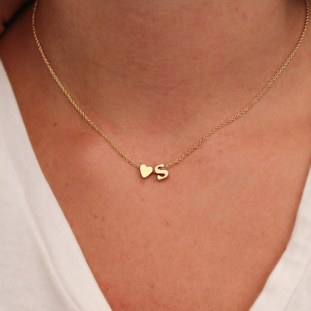 20dac0e2665e Mujer personalizada nombre inicial amor corazón COLLAR COLGANTE joyería oro  color carta cadena moda amor regalo