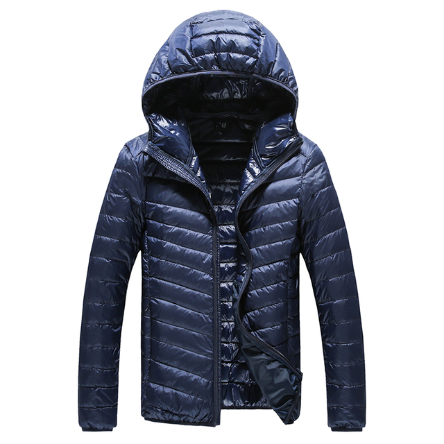 2017 Nueva Boutique de alta gama caliente de invierno de la moda para Los Hombres de la pluma encapuchados por la chaqueta/boutique de color Puro Hombres de plumas escudo
