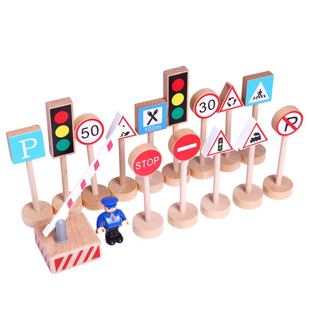 16Pcs/Set Wooden Street Road Traffic Signs Model Block Educational Kids Toy Early Learning Intelligence Developmental Toys