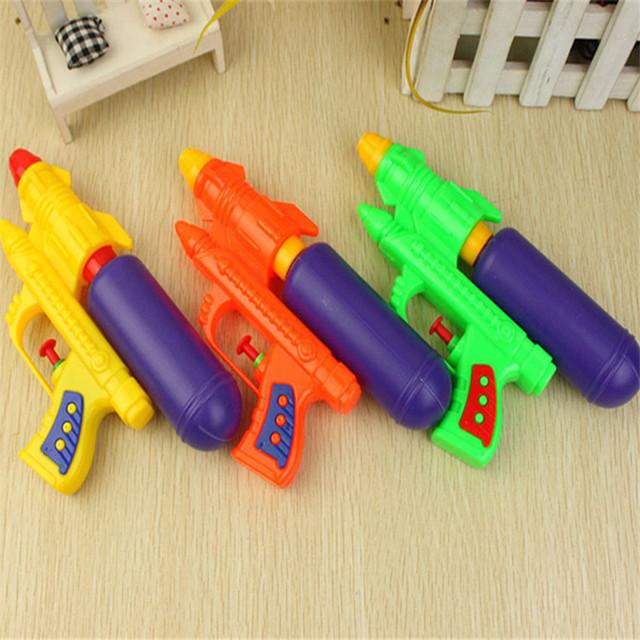 1 piezas Niño pistola de agua pistola de verano de los niños juguete del bebé playa pistola de agua nuevos niños juguetes al aire libre juego de deportes cuarto de baño Juguetes