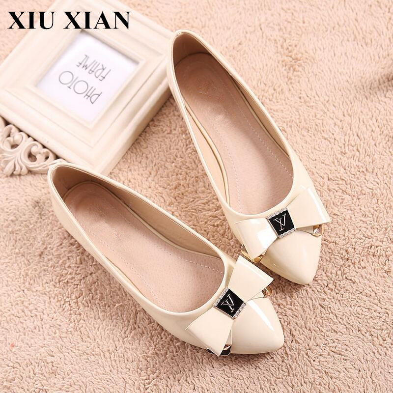 Big Size 34-43 Fashion Women Shoes Beige Pink Pointed Toe Flats Women Solid Slip on Summer Flat Shoes Butterfly PU Zapatos Mujer enmayer pointed toe summer shallow flats slip on luxury brand shoes women plus size 35 46 beige black flats shoe womens