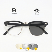Óculos de Sol De transição Photochromic Óculos Homens Mulheres óculos de Leitura  Presbiopia Óculos com Dioptrias óculos + 1.0 + . 9b33be848c