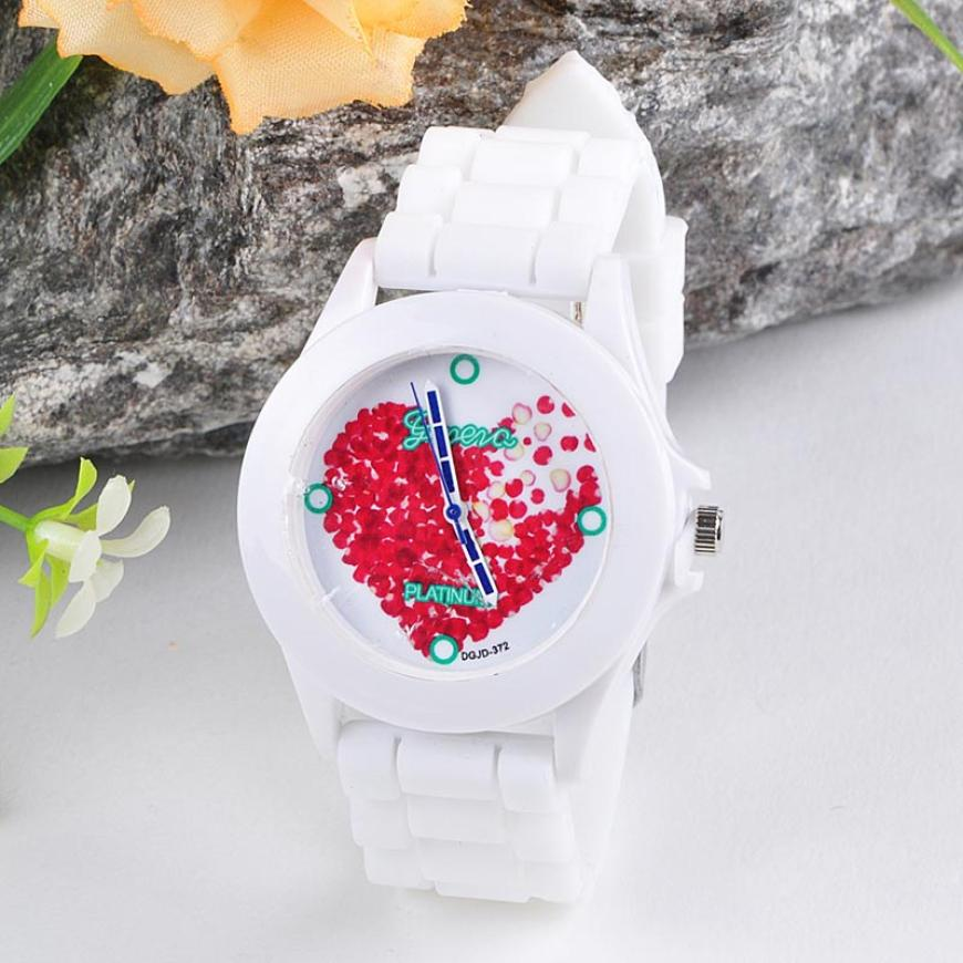 Unique Beautiful Women Watches 2017 Fashion Silicone Band Red Heart Petals Quartz Analog Wrist Watch Creative Womens Clock Oct23