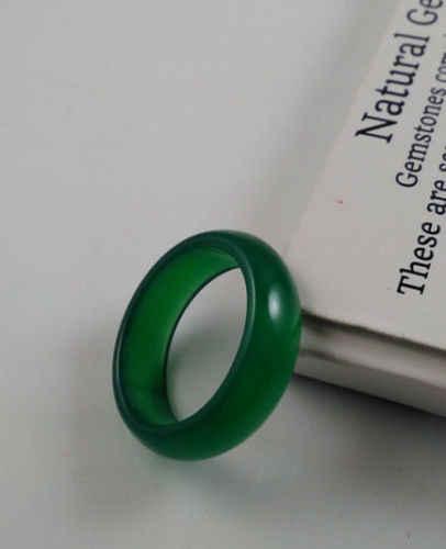 ธรรมชาติที่รักที่สวยงามสีเขียวjadeiteแหวนขนาด9 10
