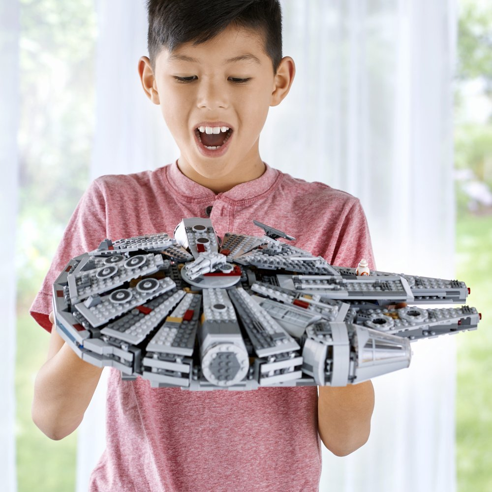 Star Plan Wars Millennium Falcon Model 1381pcs Building Blocks Toys with 7 Character Figures Compatible With Legoment
