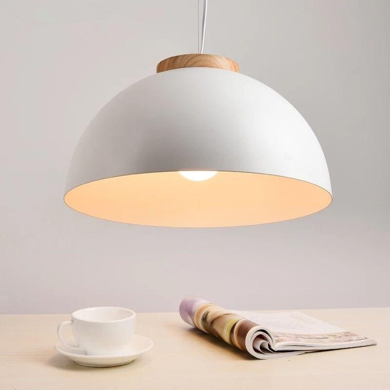 Nouveau pendentif LED moderne lumières E27 rond en bois blanc à manger lumière abat-jour en métal Suspension lampe en fer Suspension éclairage