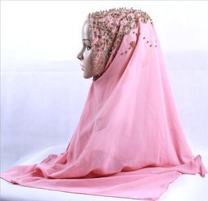 Image 4 - 새로운 도착 프리미엄 버블 쉬폰 hijab 스카프 이슬람 여성 골드 진주 반짝이 이슬람 turban 머리띠 시니 목도리 170*70cm