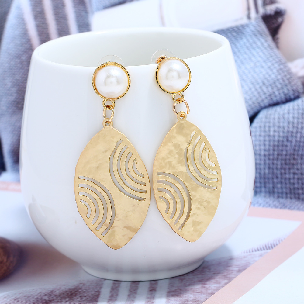 L&H Unique Design Drop Earrings For Women Hollow Gold Color Leaves Dangle Simple Pearl Party Earings Fashion Jewelry