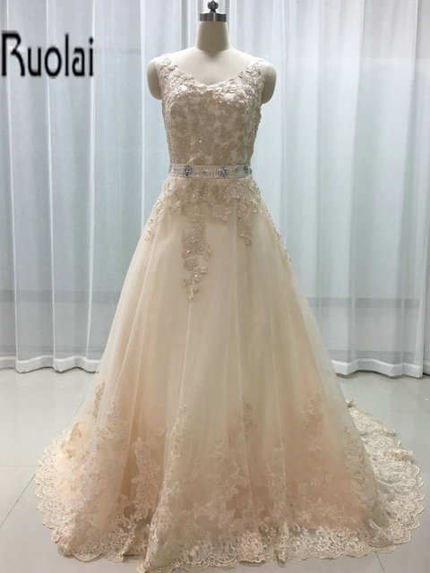 2017 New Arrival Elegant A-line Wedding Dresses Lace Appliques Beading Crystal Sashes Sleeveless V-neck Bridal Gown Custom Made