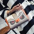 2016 Nueva Ola De Bolso de Las Mujeres de Corea Del Salvaje Remache Pequeño cuadrada Bolsa de Color del Golpe de Bloqueo Hebilla Del Bolso Solo Hombro bolsa de Mensajero bolsa