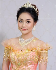 Image 5 - High quality zirconia wedding hair accessories bridal tiara award ceremony queen crown