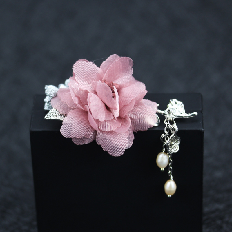 New Fashion Woman Brooches Handmade Yard Flowers Brooches Unique Design Pendant Sweater Suits Jewelry Coat Corsage Accessories