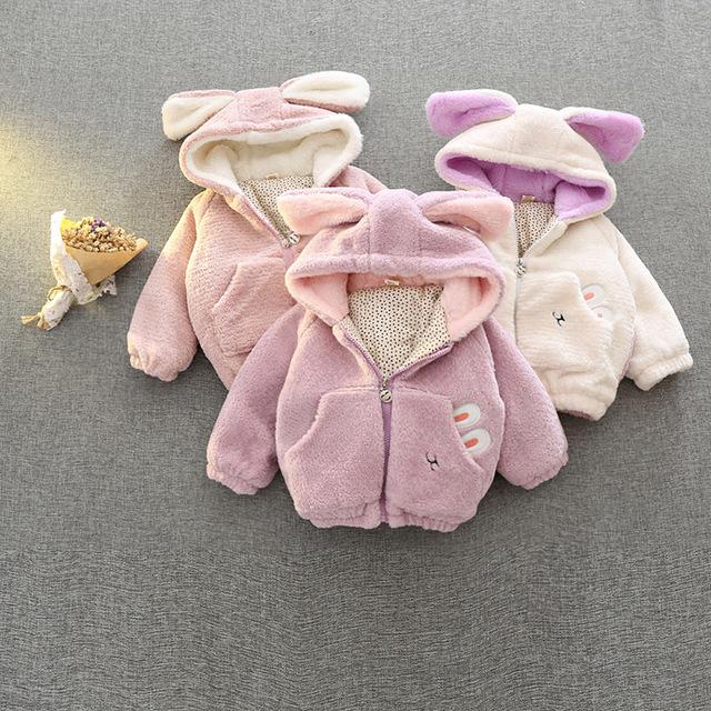 2016 Nuevo Otoño Muchachas de La Manera Capa Del Bebé Del Estilo de Dibujos Animados de Conejo Niñas Ropa de Invierno Gruesa Tops Niños Prendas de Abrigo Casaco infantil