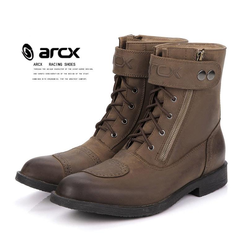 0d59c9a056 ARCX botas impermeables para motocicleta zapatos de ocio de cuero para  hombre ciclismo bicicleta de calle Scooter Moto botas Zapatos