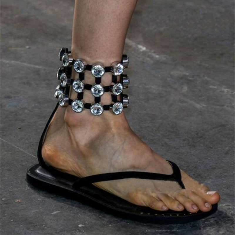 цена на 2017 New Arrival Dress Shoes Women Crystal Embellished Flat Summer Sandals Vintage Ankle Strap Beach Holiday Sandals