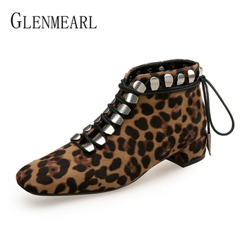 Buty damskie buty zimowe na co dzień marka Lace Up wysokie obcasy botki kobiece Leopard moda nit Punk damskie buty Plus rozmiar DE