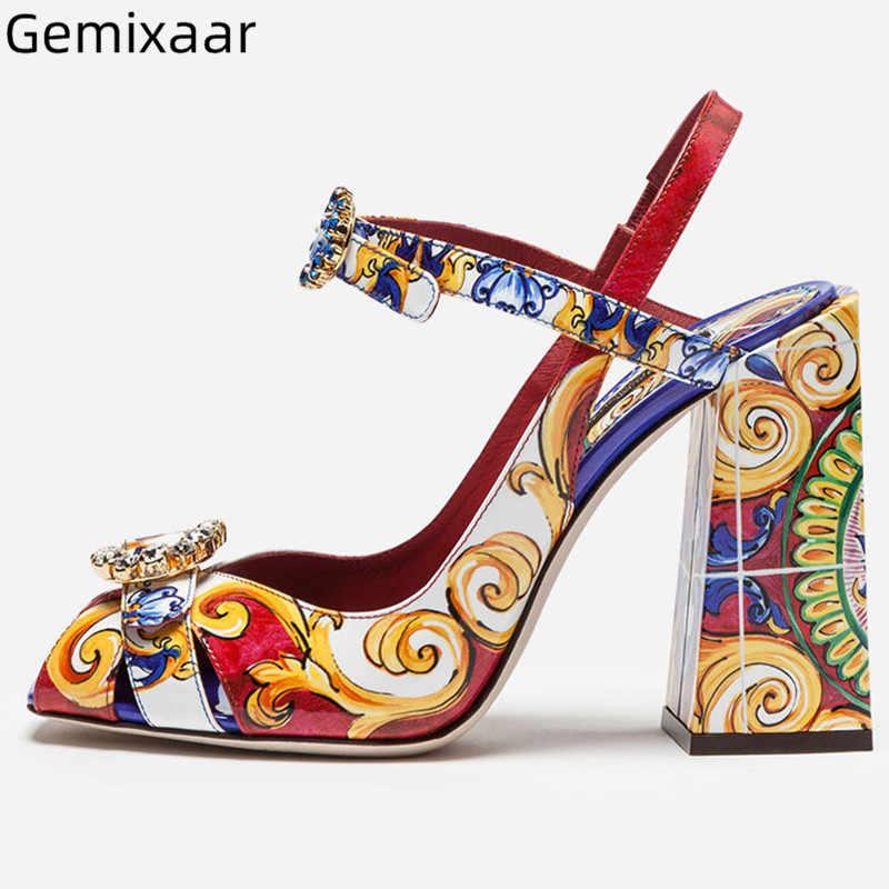 Graffiti sandalet ayakkabı kadın Peep Toe dekor takı dar ayak bileği toka sandalet şık renkli tıknaz kare topuklu sandalet kadın