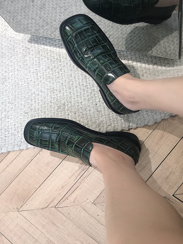 브랜드 디자이너 뉴 스퀘어 발가락 짙은 녹색 악어 정품 가죽 펌프 빈티지 영국 스퀘어 힐 슬립 온 신발 여성 로퍼-에서여성용 펌프부터 신발 의  그룹 1