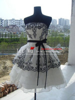 Fashion Short Sexy Summer New Arrival Ball Gown Off The Shoulder Scoop Black Lace On White
