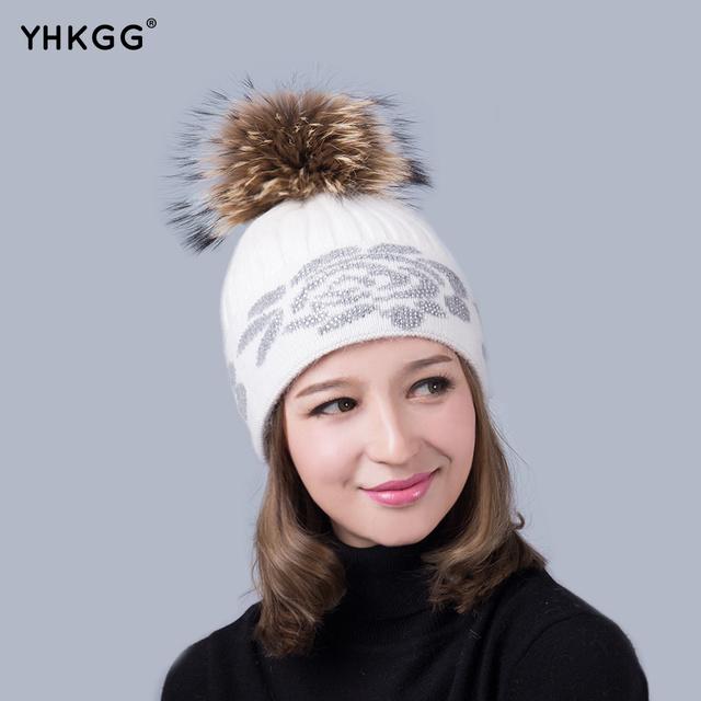2016 Diamantes de Imitación de Piel sombreros para las mujeres invierno. Acrílico Lana Con Orejeras de Punto Knit Beanie Hat Cap. Super Natural de piel sombrero de bola de la piel