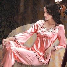 2015 elegante luxuoso cetim Pijamas Femininos Inverno Women de seda terno mulheres Comprido Plus Size guarnição do laço Sleepwear meia calca feminina M-XXXL