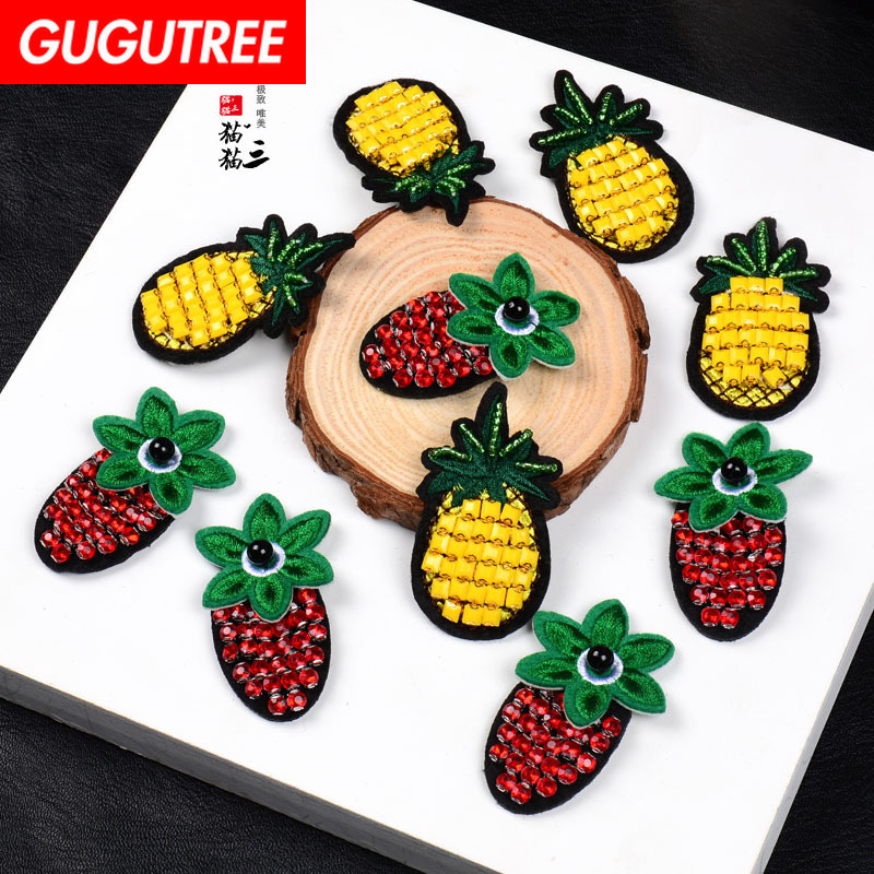 GUGUTREE embroidery beaded pineapple patches strawberry badges applique for clothing SK-2