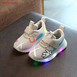 Children's shoes with light 2018 spring girls running sneakers led baby breathable mesh shoes boys light sport shoes candy color