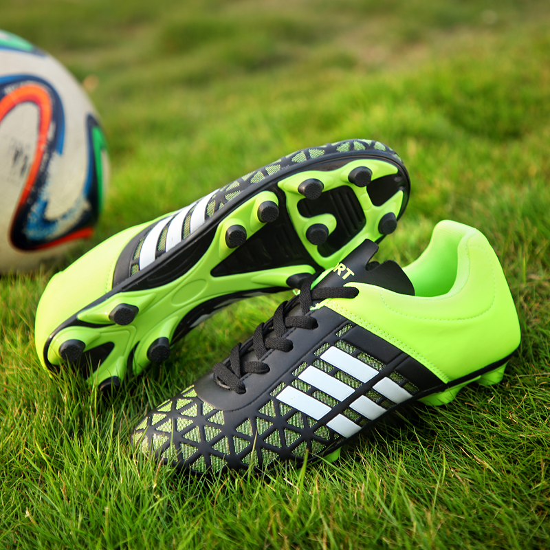 2019 Boys Kids Football Boots FG Soccer Shoes for Children PU Leather Man Soccer Cleats Shoes Women Chaussures De Football Homme(China)