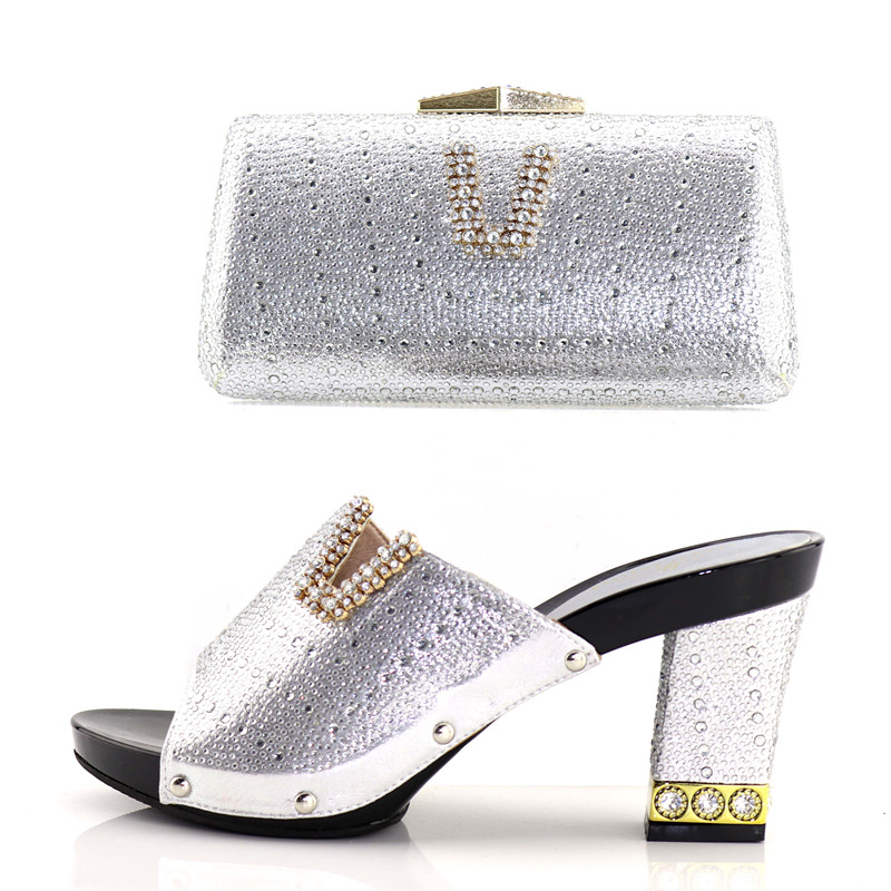 Latest Fashion Silver Italian Ladies Shoes and Bags To Match Set Decorated with Rhinestone African Wedding Shoes and Bag Set цены онлайн