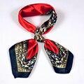 Otoño Invierno estampado de Leopardo Rojo Pañuelos Para Damas Nuevo Estilo de Poliéster Plazoleta Bufanda de Seda Del Todo-Fósforo de Café Rosa